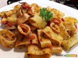 Calamarata – pasta con calamari napoletana