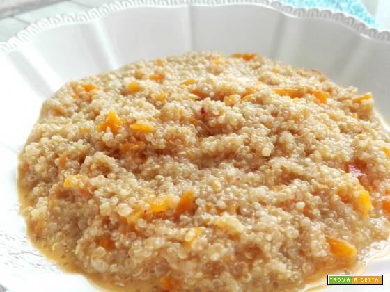 Quinoa risottata con crema di carote e stracchino
