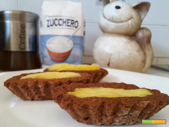Barchette di frolla con crema al cioccolato bianco