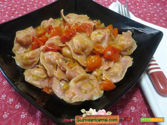 Cappelletti rape rosse patate salmone