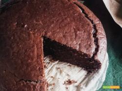 Torta di mandorle al cacao (senza uova e burro), alta e compatta!
