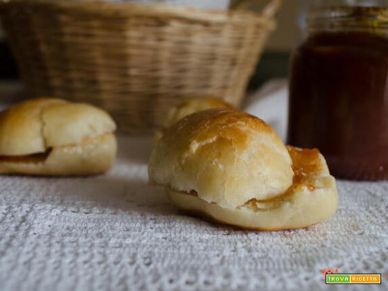 Panini al latte piccoli e gustosi bocconcini di pane