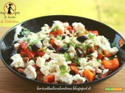 Insalata tiepida di peperoni, feta e olive