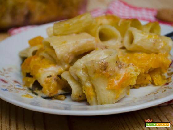 Pasticcio di pasta al forno con zucca e besciamella