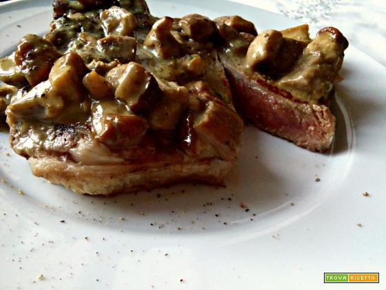 Costata di manzo ai funghi e gorgonzola