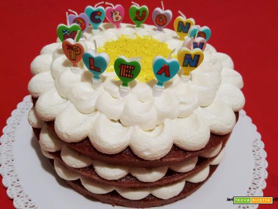 Torta Red Velvet con crema al mascarpone e latte condensato