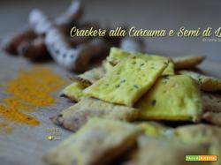 Crackers alla curcuma e semi di lino