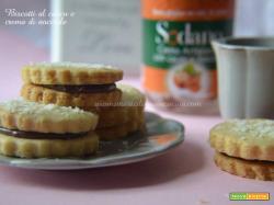 Biscotti al cocco e crema di nocciole