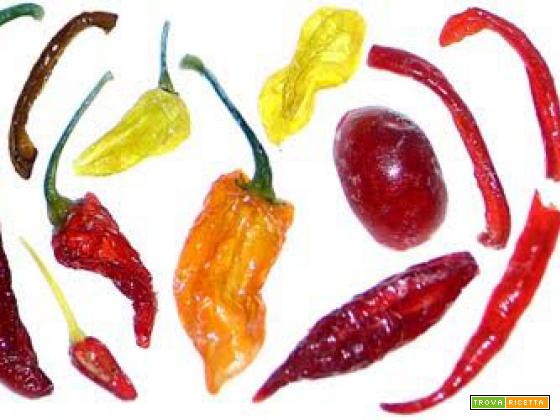 Peperoncini canditi: il sapore dolce del piccante