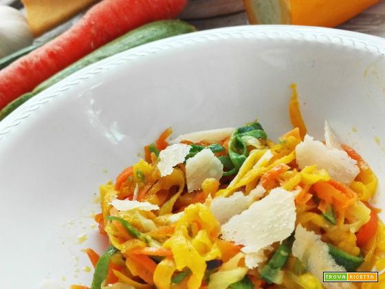 Spaghetti di verdure aglio olio e peperoncino