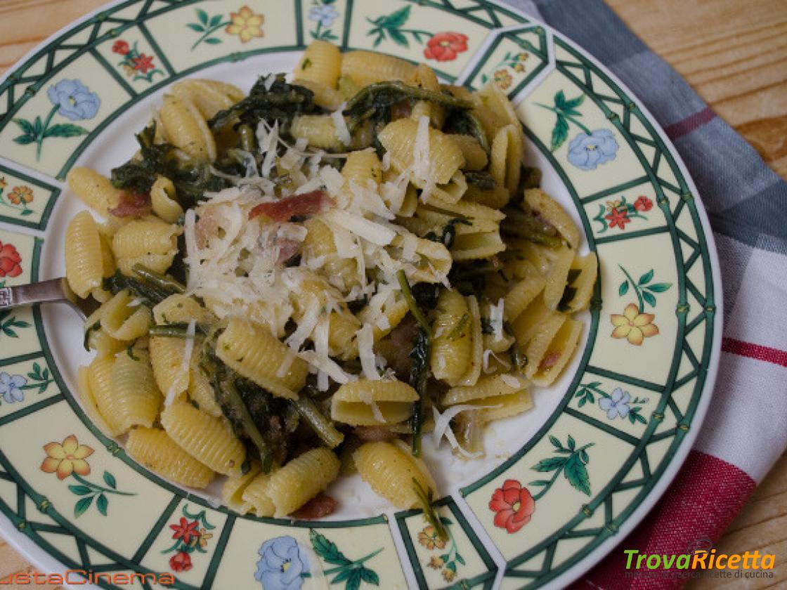 Ricetta Gricia Con Salsiccia.Pasta Alla Gricia Con Cicoria Un Primo Piatto Tradizionale Ricetta Trovaricetta Com