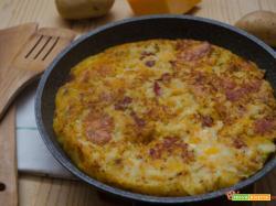 Torta di patate e zucca senza uova in padella