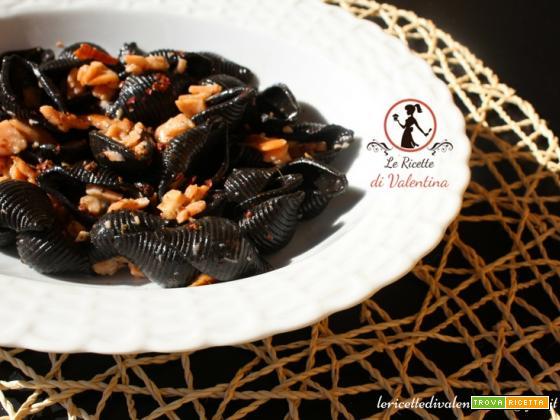 Conchiglia al nero di seppia Felicetti con salsa al Salmone e whisky, Halloween si avvicina!