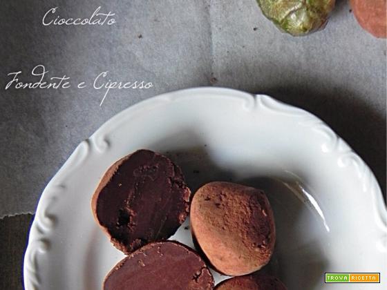 Tartufi al Cioccolato Fondente e Cipresso