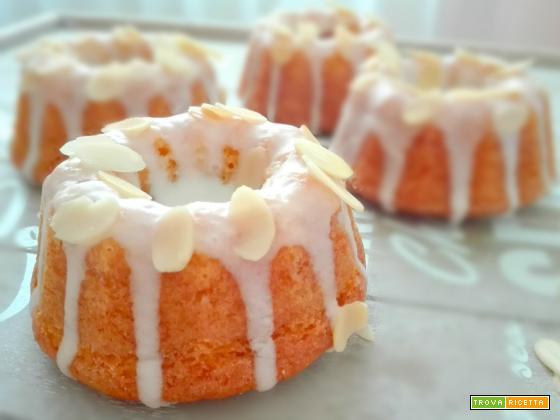 Mini Bundt Cakes alle Mandorle e Cannella