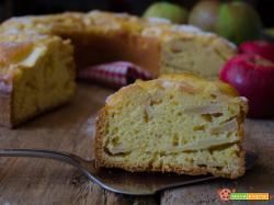 Ciambella sette vasetti alle mele un dolce soffice e gustoso