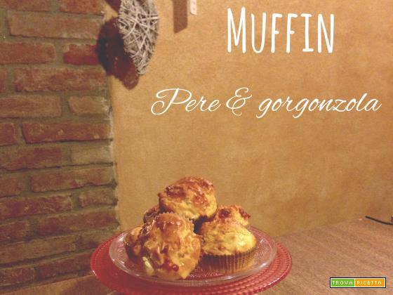 Muffin pere, gorgonzola e noci