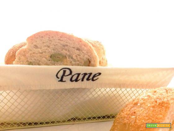 I panini alle olive e le mail dementi