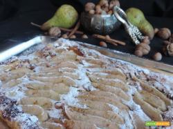 Torta sfogliata con ricotta frutta secca e pere