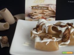 Paccheri al vino falerno con funghi porcini e fonduta light al parmigiano