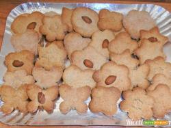 Biscotti mandorle, avena e farro