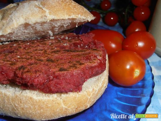Hamburger vegan rapa rossa e ceci