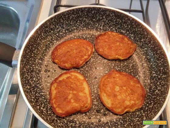Pancake alle carote senza uova