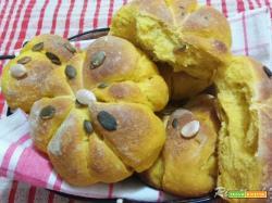 Panini di Halloween ossia pane alla zucca