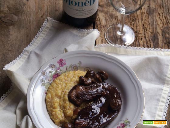 Punta di vitello (con l'osso) con vino rosso e castagne