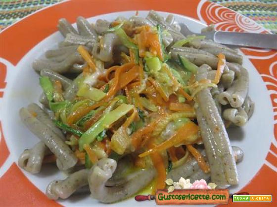 Strozzapreti alla canapa e verdure