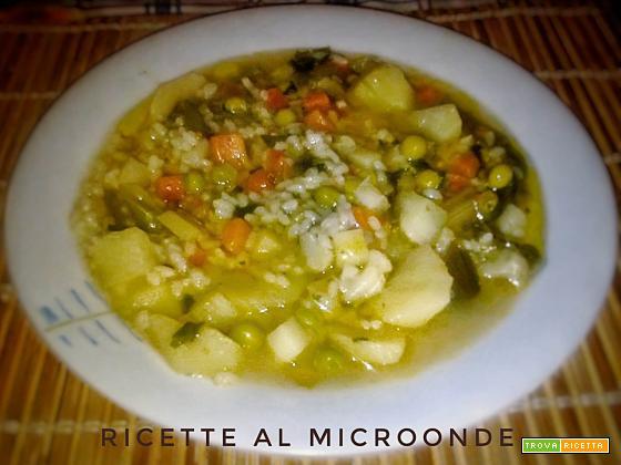 Minestrone di verdure con riso al microonde