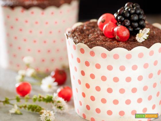 Muffin al cacao e frutti rossi