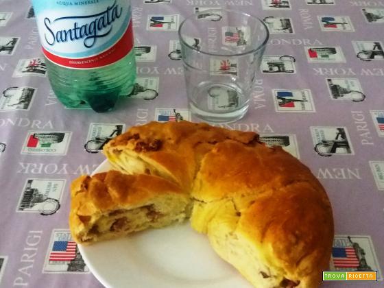TORTA RUSTICA CON SALUMI E FORMAGGI