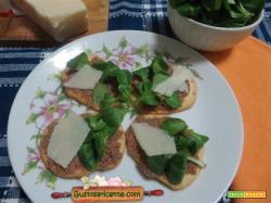 Crostini pate oca e parmigiano