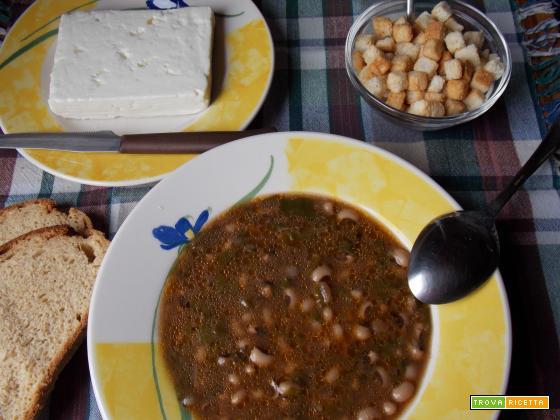 Zuppa di fagioli ad occhio nero