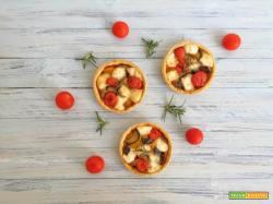 Crostatine di farro con verdure e provolone