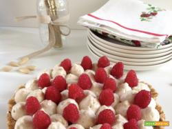 Torta mousse alle mandorle e cioccolato bianco
