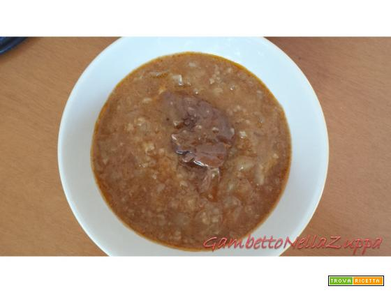 Zuppa di cipolle, farro e gambetto