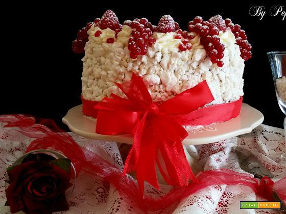 Chiffon cake all'arancia con crema al mascarpone meringhe e frutti rossi