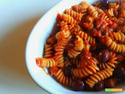 Fusilli integrali olive e pomodoro