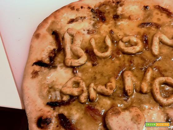 Pizza con alici piccanti