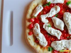 Pizza Pomodorini Burrata Basilico