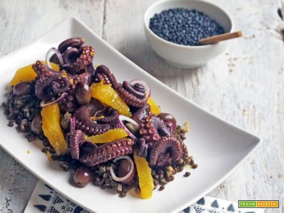 Essenza: Insalata di polpo, lenticchie nere beluga e arancio
