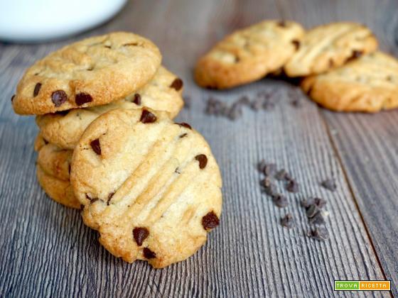Biscotti Facili con Gocce di Cioccolato