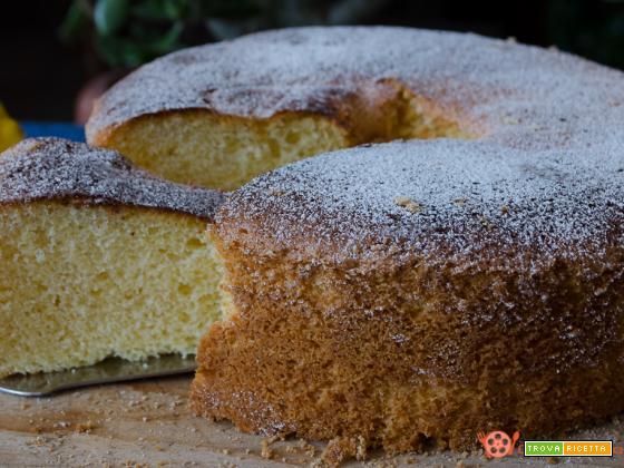 Chiffon cake soffice e delicata come una nuvola