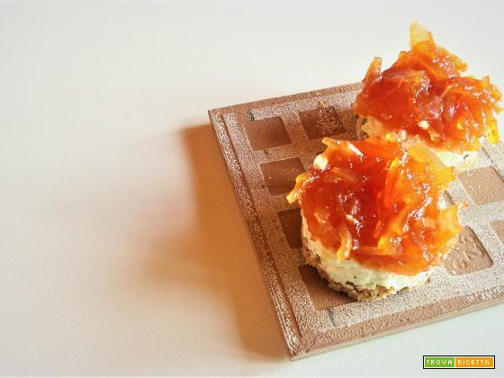Cheesecake salata con marmellata di cipolle