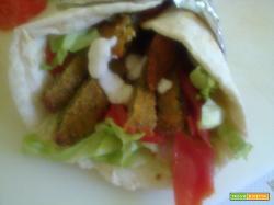 Simil kebab con pita