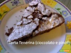 Torta Tenerina: cioccolato, pinoli