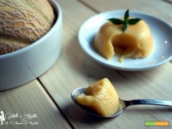 Budino al melone retato, cremoso desser al melone,