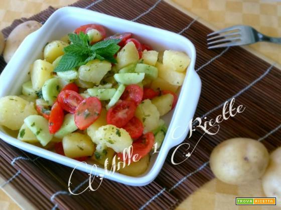 Insalata di patate,cetrioli e pomodorino,in salsa di menta